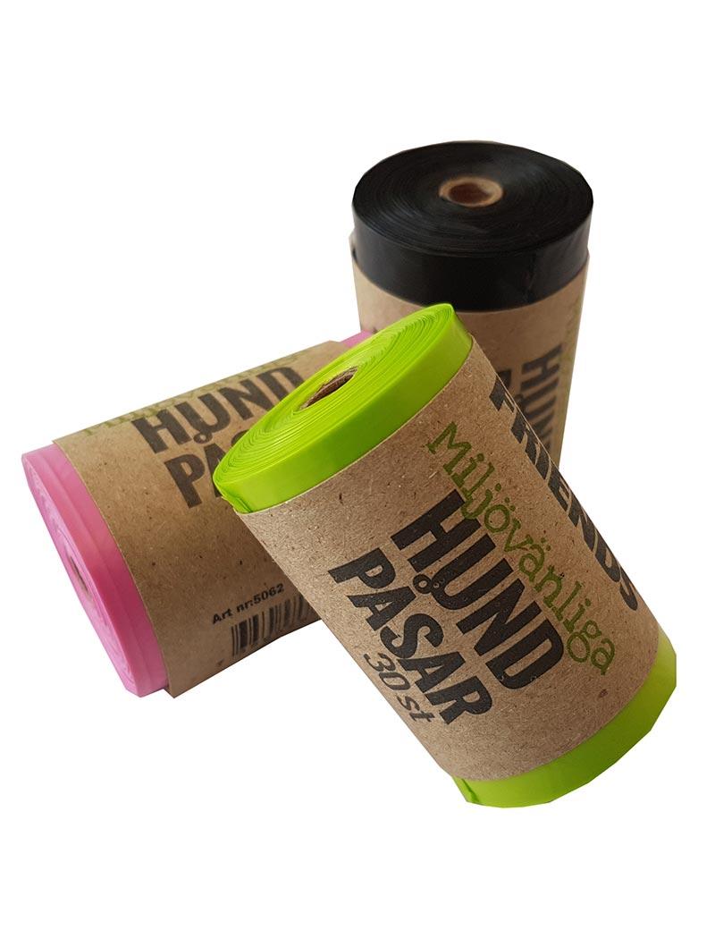 Miljövänliga hundbajspåsar tillverkade av 100% återvunnen plast i tre färger.