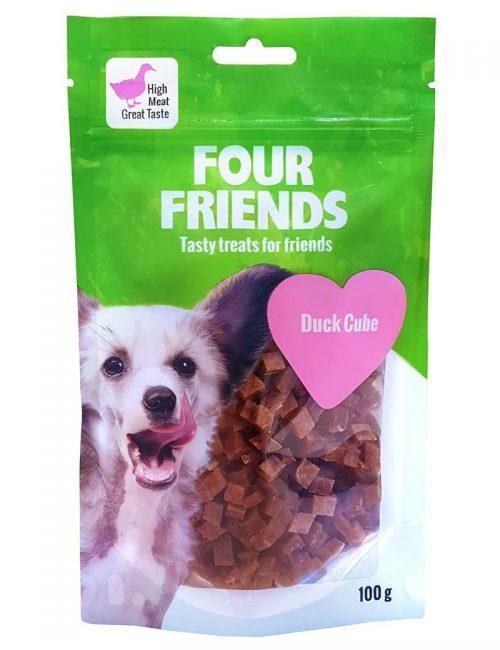 Four Friends Treats 100 g. Kuber med ankkött som belöningsgodis eller träningsgodis till hundar.