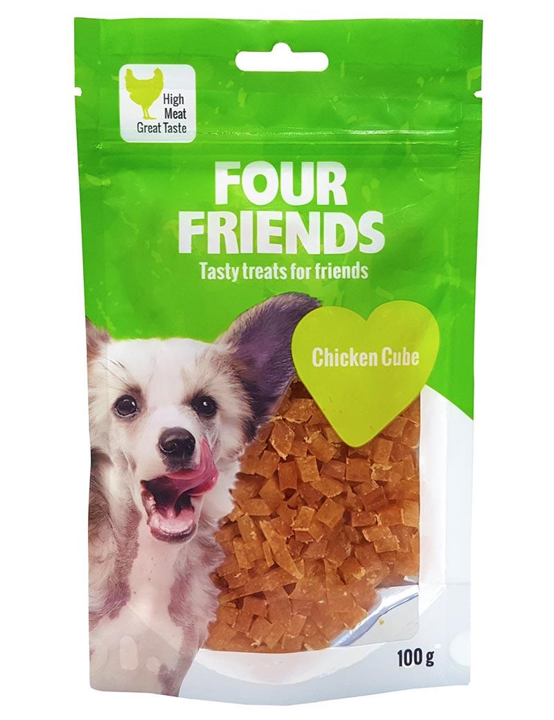 Four Friends Treats 100 g. Kuber med kycklingkött som belöningsgodis eller träningsgodis till hundar.