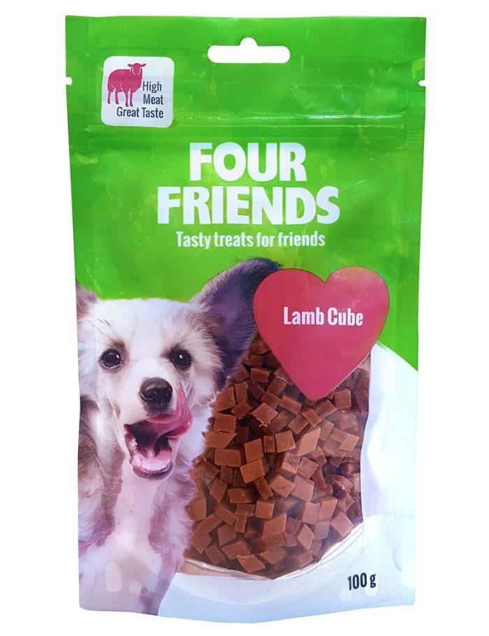 Four Friends Treats 100 g. Belöningsgodis och träningsgodis för hundar med hög kötthalt av lamm.